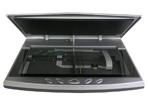 סורק שולחני לסריקת כרטיסי פלסטיק, רשיונות נהיגה, תעודות זהות ודרכונים פלסטק Plustek OpticSlim 550 Plus A5 Scanner USB2.0