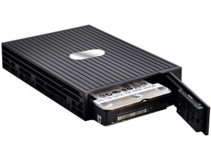 מגירה שליפה לדיסק קשיח SNT ST-1111SS 1 x 2.5'' HDD(SSD) SATA-III 6.0Gbit/s, SAS II 6.0Gbit  built on a convenient 3.5'' plastic mobile rack